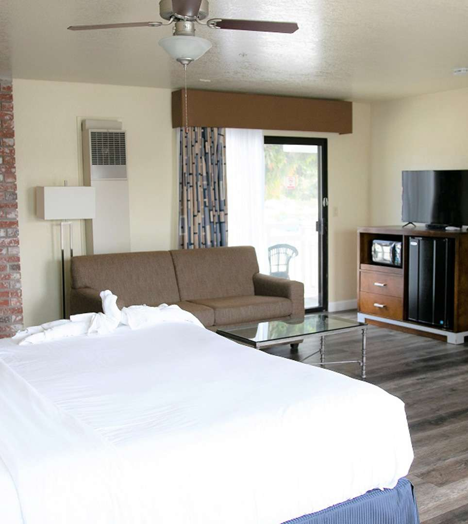 BOOK DIRECT AND TAKE ADVANTAGE OF THE LOWEST AVAILABLE RATES  FOR YOUR MORRO BAY GETAWAY