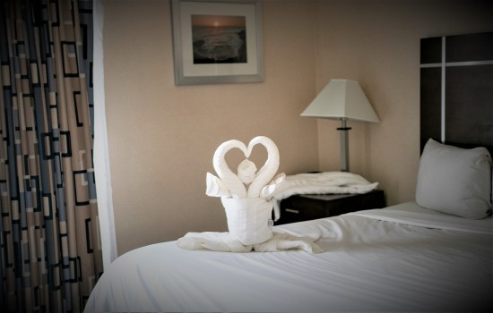 Welcome To Harbor House Inn - Towel Art